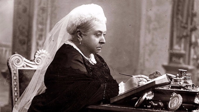 Queen Victoria writing